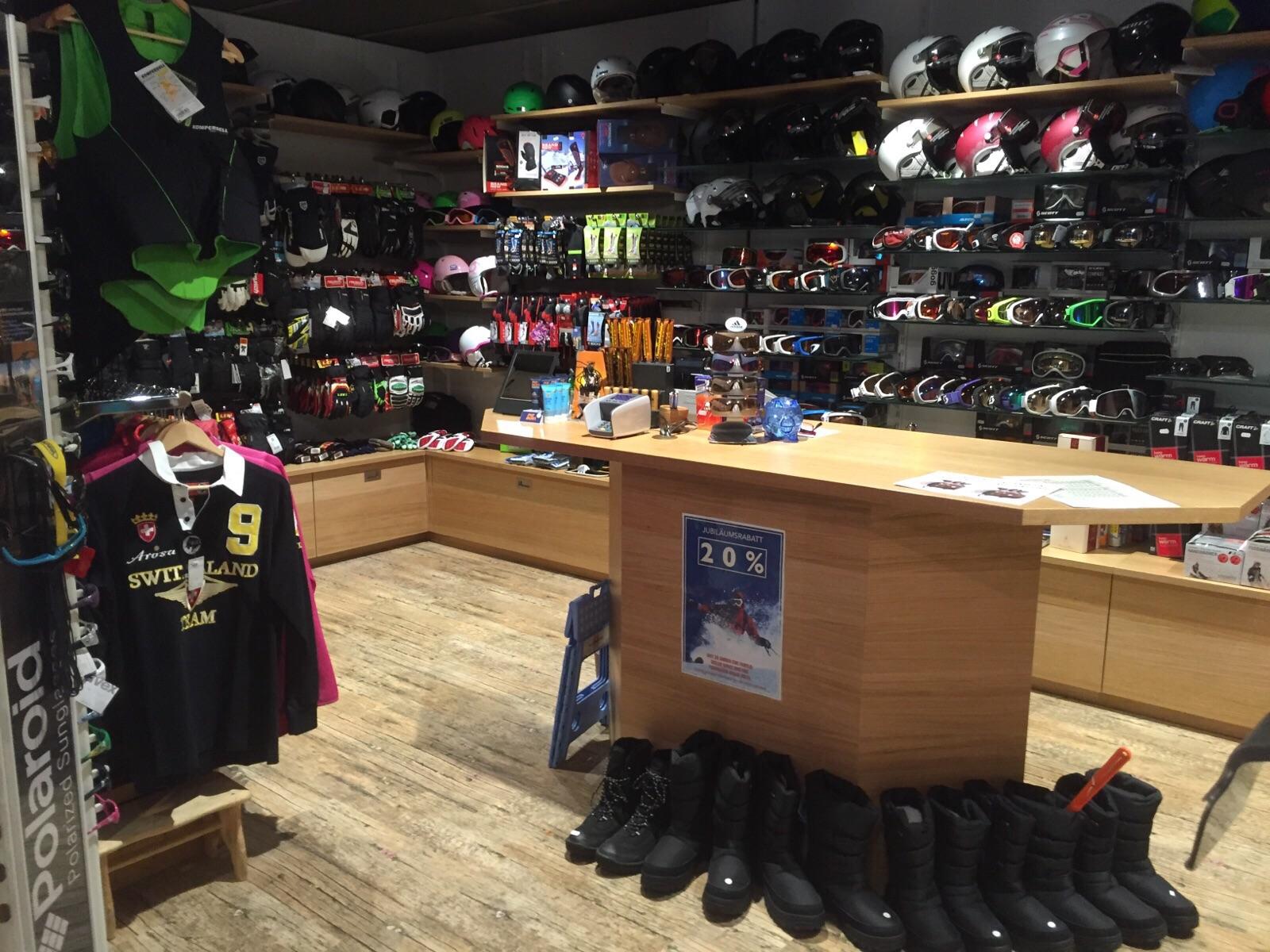 Gisler Sport Ladentheke und Regale